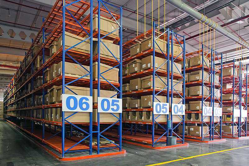 very-narrow-aisle-pallet-racking-01